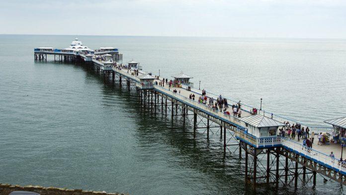 threats Coinslot Llandudno Pier