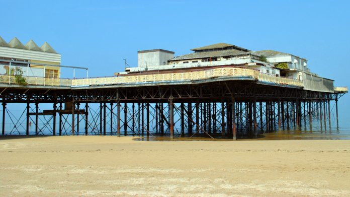 Coinslot, Colwyn Pier, David P Griffiths,