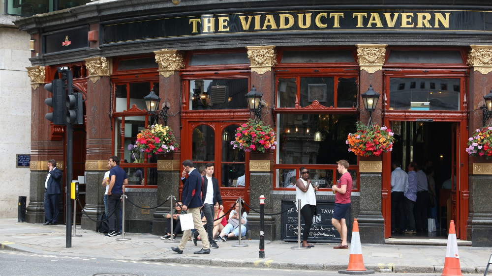Pub sector calls for budget cut in beer duty rate ...
