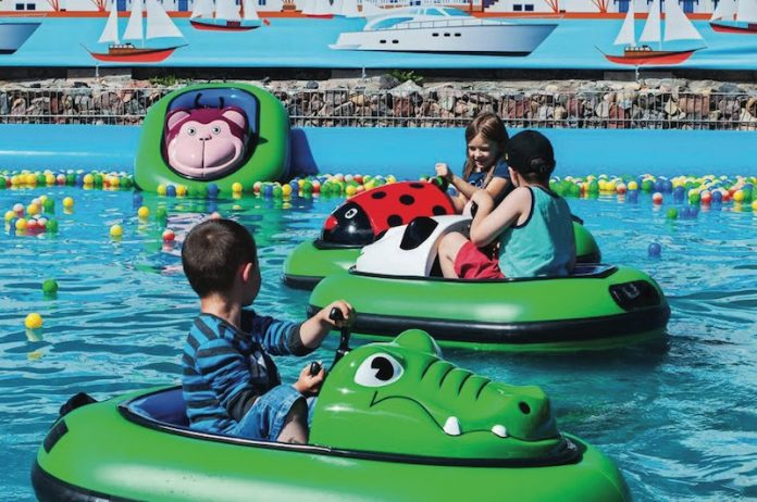 Coinslot World of Rides boat family