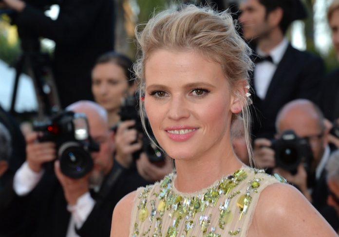 Coinslot - Supermodel Lara Stone Bingo London
