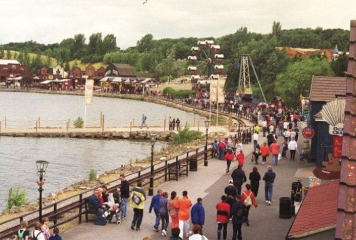 Coinslot - Derbyshire theme park Declan Salmon petition american adventure