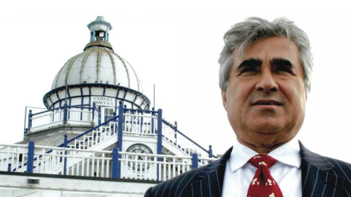 Gulzar, Sheikh Abid Gulzar, Hastings Pier, amusements