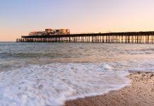 Hastings Pier, waves