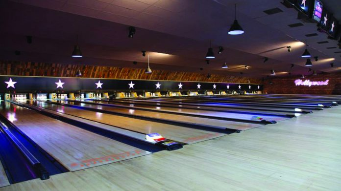 Hollywood Bowl lanes
