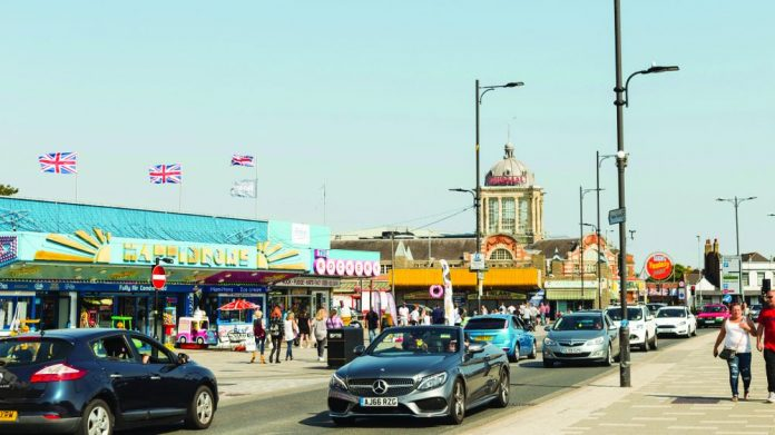 Southend promenade minimum wage BBC