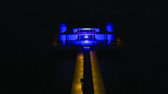 Grand Pier Weston blue NHS