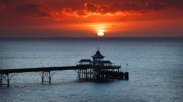 Tourism bosses urge clear guidance