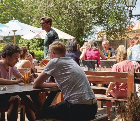 social distancing pubs