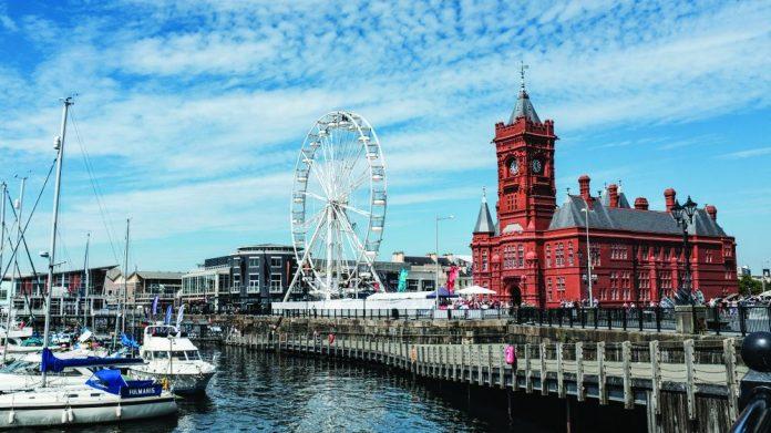 Cardiff Bay Ferris Wheel