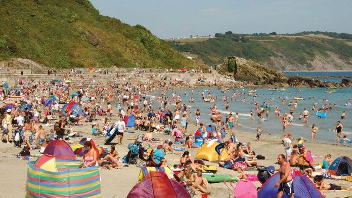 seaside tourism social distancing