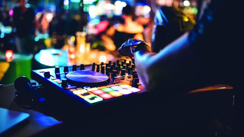 DJ lockdown