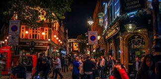 Night time hospitality pub music