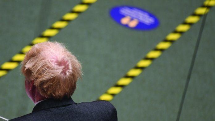 Boris Johnson lockdown easing delayed