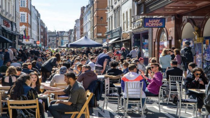 Pubs and bars spend up 30 percent in July